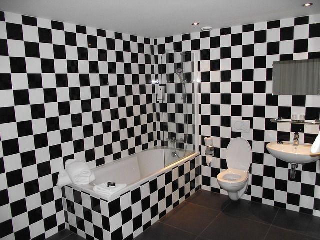 Mit Dekofolie kannst du Badezimmer umgestalten