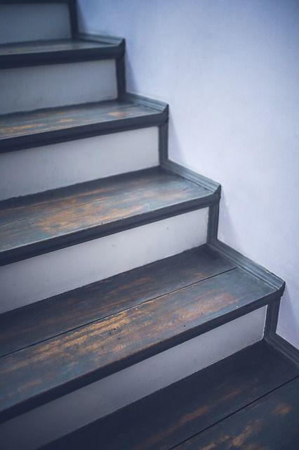 Foliere Treppen mit Dekofolie