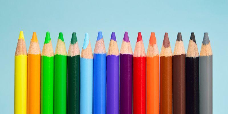 Viele bunte Farben gibt es auch bei den bunten Klebefolien